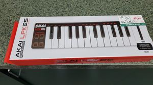Akai professional lpk25 for Sale in Valley View, OH