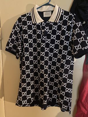 Gucci shirt size large ( ITS DARK NAVY BLUE NOT BLACK ) for Sale in Cincinnati, OH