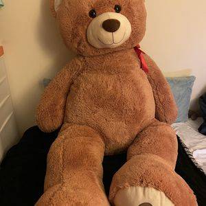Giant 6 Ft Tan Teddy Bear for Sale in Middleburg, VA