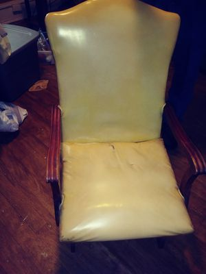 1940's antique chair for Sale in Spartanburg, SC