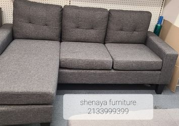 """Small Reversible Sectional Sofa 77"""" x 57"""" x 34"""" H for Sale in La Verne,  CA"""