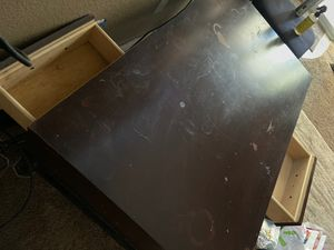 2 way coffee table. Good Quality. Needs a little TLC. Great piece of furniture! for Sale in West Sacramento, CA