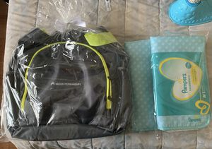 Kaiser Diaper bag and Pampers Changing Pads for Sale in Highland, CA