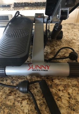 SUNNY HEALTH & FITNESS Steeper with Resistance Bands for Sale in Frisco, TX