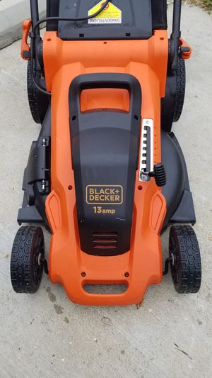Black and Decker electric lawn mower for Sale in Los Angeles, CA