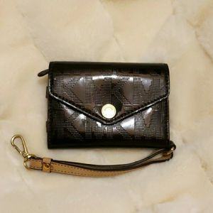 Michael Kors Brown Purse for Sale in Silver Spring, MD