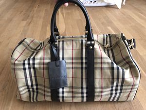 Authentic Burberry Duffel Bag for Sale in Great Falls, VA