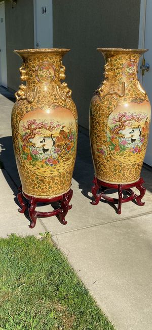 Vintage Pair of Chinese Porcelain Floor Vases for Sale in Fresno, CA