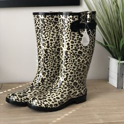 NWT Leopard Print Rain Boots - Size 7 for Sale in Raleigh,  NC