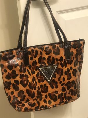 Authentic guess purse for Sale in Fort Washington, MD