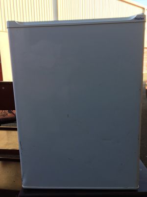 Small office or dorm refrigerator for Sale in Lansdowne, VA