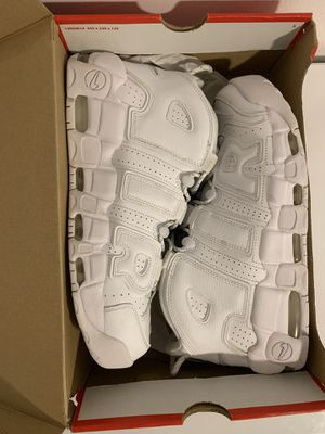 Nike uptempo white sz 11.5 for Sale in Hialeah, FL