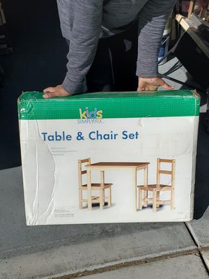 Kids table and chairs for Sale in Victorville, CA
