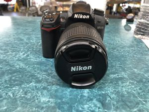 Nikon d7000 with 18-105 lens for Sale in Largo, FL