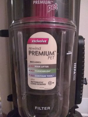 PREMIUM pet BISSELL vacuum for Sale in West Seneca, NY