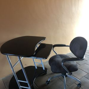 Desk And Office Chair for Sale in Boca Raton, FL