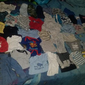 44 Pieces baby Clothes Size 0-3months for Sale in South Gate, CA