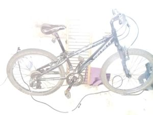 All black trek 220 mountain bike for Sale in Akron, OH
