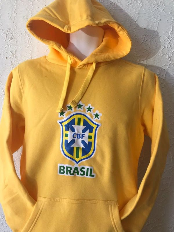 Yellow hoodies Brasil team