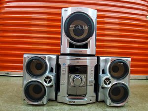Sony HCD-GX45 music stereo system CD cassette subwoofer 360-watt for Sale in MONTGOMRY VLG, MD