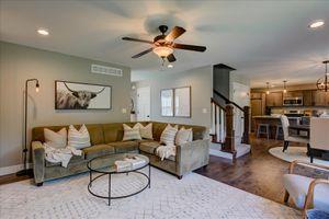 Sectional sofa for Sale in O'Fallon, IL