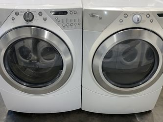 XL CAPACITY WASHER DRYER ELECTRIC STACKABLE for Sale in Portland,  OR