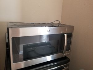 STAINLESS STEEL GE MICROWAVE for Sale in St. Augustine, FL