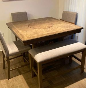 Kitchen and dining room table with chairs for Sale in Anaheim, CA