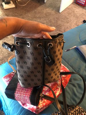 Dooney and Bourke purse for Sale in Houston, TX
