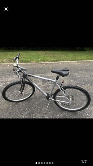 Very nice Specialized expedition bike for Sale in Great Neck, NY