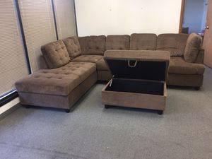 Brown chenille sectional couch and storage ottoman for Sale in Vancouver, WA