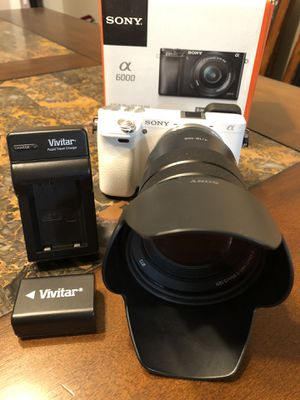 Sony A6000 Camera (24.3MP) w/ F4 SELP18105G (G) 18-105mm Lens for Sale in Hacienda Heights, CA