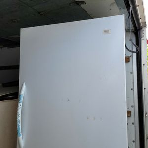 Frigidaire Gibson Commercial Upright Freezer for Sale in Fort Lauderdale, FL