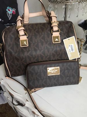 Micheal Kors brand new with tags. Brown satchel with matching wristlet wallet for Sale in Salinas, CA