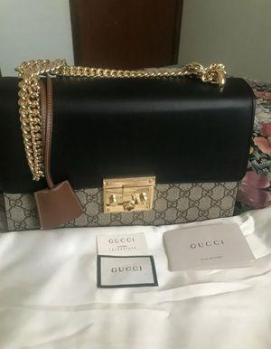 Gucci padlock shoulder bag medium authentic for Sale in Farmington Hills, MI
