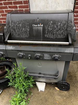 Three burner grill needs cleaned and ah new igniter there's some propane left $150 for Sale in Columbus, OH