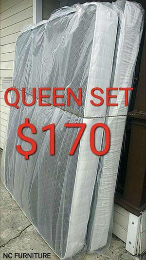 QUEEN MATTRESS AND BOX SPRING for Sale in Los Angeles, CA