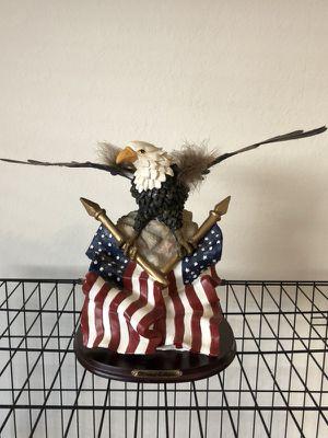 American bald eagle collectible 10 inch statue. for Sale in Miami, FL