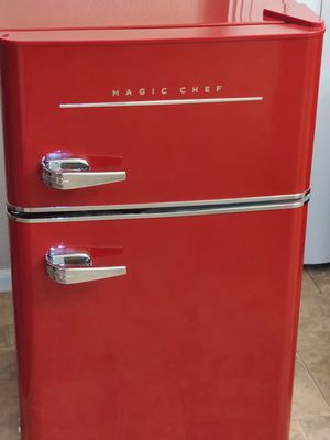 Magic Chef Red Retro Edition Mini Refrigerator for Sale in Chandler, AZ