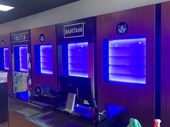 Smoke/Vape Shop Salon Fixtures for Sale in Indianapolis,  IN