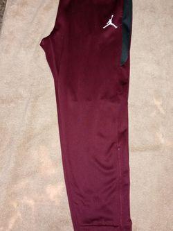Nike Air Flight Jordan Training Fleece Jogger Pants (XL) for Sale in Tacoma,  WA