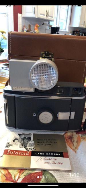 Vintage Polaroid CAMERA Leather Case Manual Flash Bulbs a beauty for Sale in Buffalo, NY