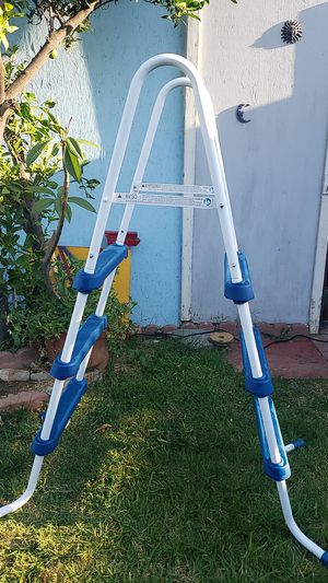 Ladder....escalera . for Sale in Fontana, CA