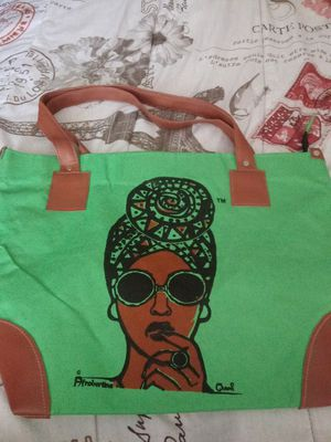 Queen Tote Bag for Sale in Las Vegas, NV