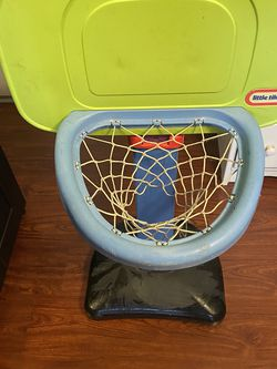 Little Tikes Basketball Court for Sale in Inglewood,  CA
