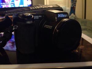 Nikon CoolPix 8700 & Dragon Touch 4K 1080P Action Camera for Sale in Chicago, IL