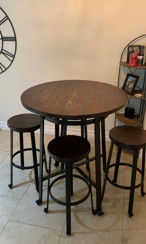 Bar height table with 4 stools. for Sale in Alexandria, VA