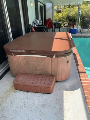 Hot tub spa jacuzzi for Sale in Boca Raton, FL