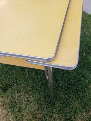 Retro Daystrom Extension Dining Table for Sale in Berthoud, CO