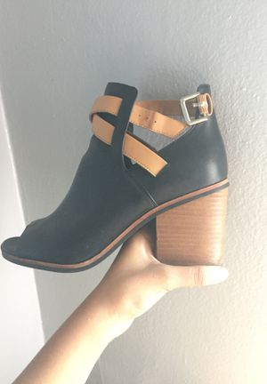 Black and brown boots/ heels for Sale in Brooklyn, NY